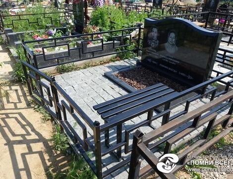 Мемориальный комплекс из двух видов гранитов Комсомольск-на-Амуре Лампадка из габбро-диабаза резная Китай-город